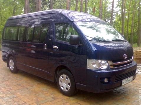 Автобус Toyota Hiace заказать или взять в аренду, цены, предложения компаний