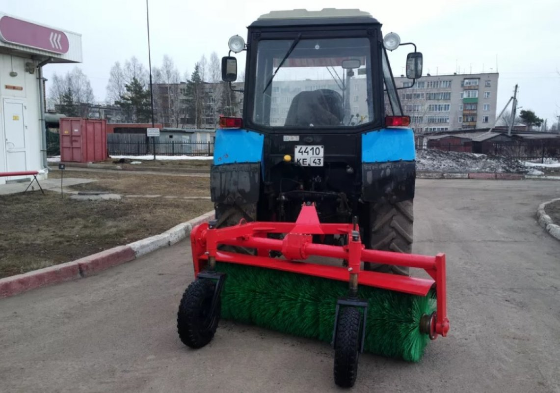 Щетка дорожная на тракторе МТЗ-82 заказать или взять в аренду, цены, предложения компаний