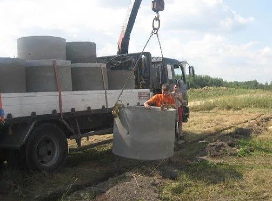 Перевозка бетонных колец и колодцев манипулятором - Астрахань, цены, предложения специалистов